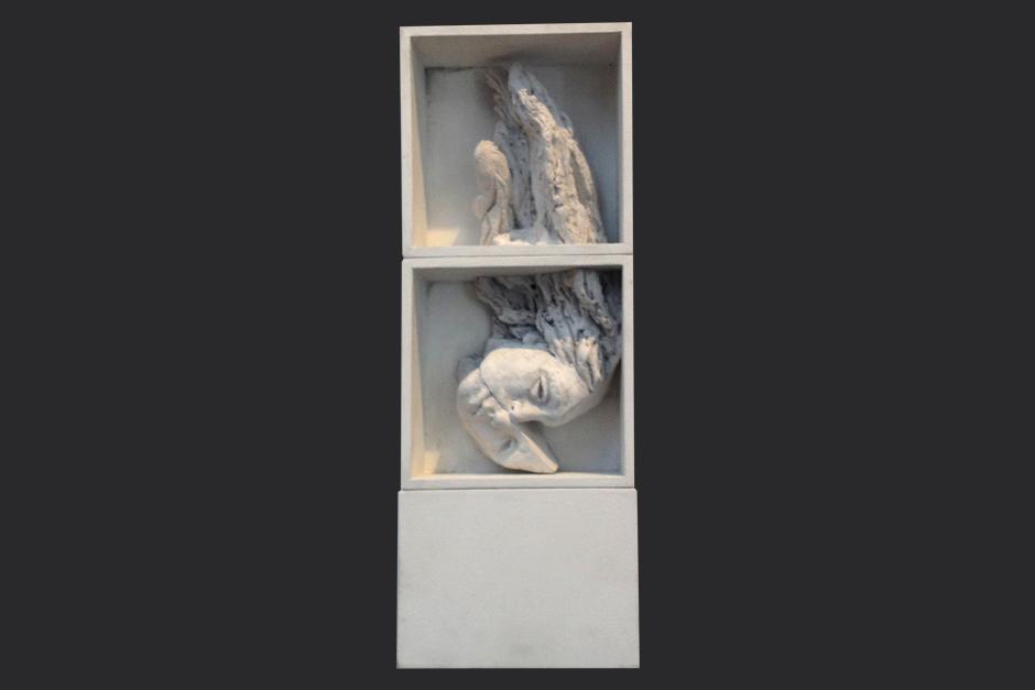 sin título. ensamblaje madera y yeso. 2002. 46x17.5x8.5cm