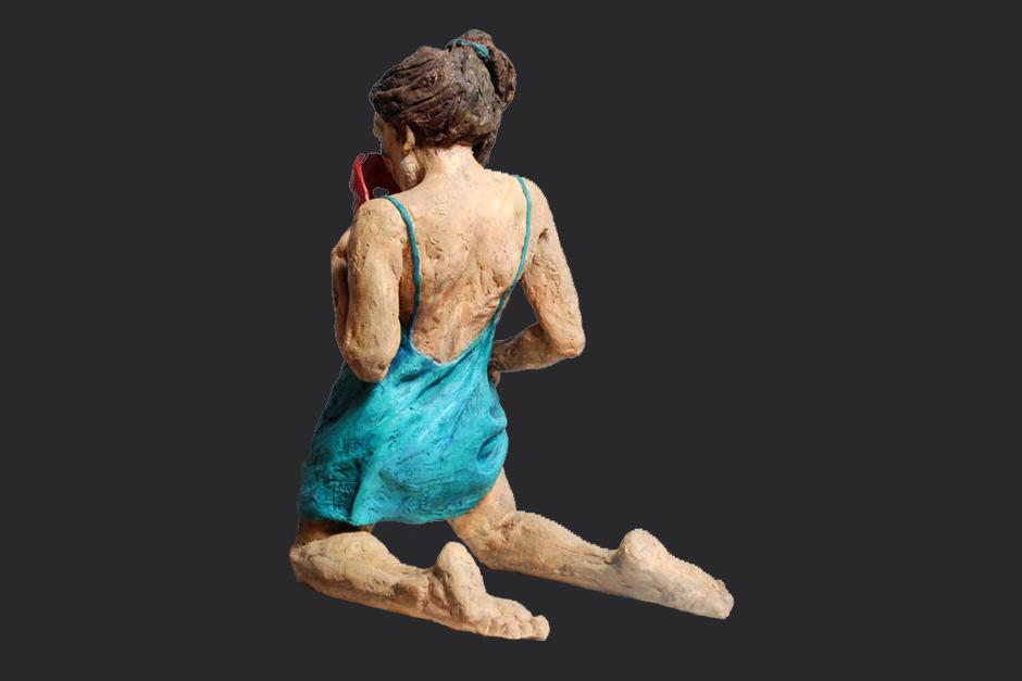 de la hija del viento. terracota pintada en frío. 2000. 60x47x30cm