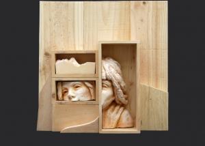 sombra de silencio. ensamblaje madera y yeso. 2003/4. 40x40x9cm